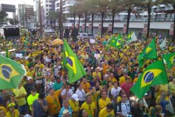 Em João Pessoa, manifestantes defendem reformas, criticam 'Centrão' e relembram jingles de Bolsonaro; VEJA VÍDEO