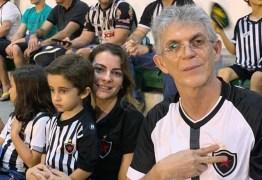 Ricardo Coutinho acompanha partida entre Botafogo e Fortaleza