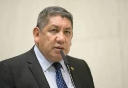 Deputado do PSL ameaça petistas no Plenário: 'No meu gabinete tem duas pessoas armadas' – VEJA VÍDEO