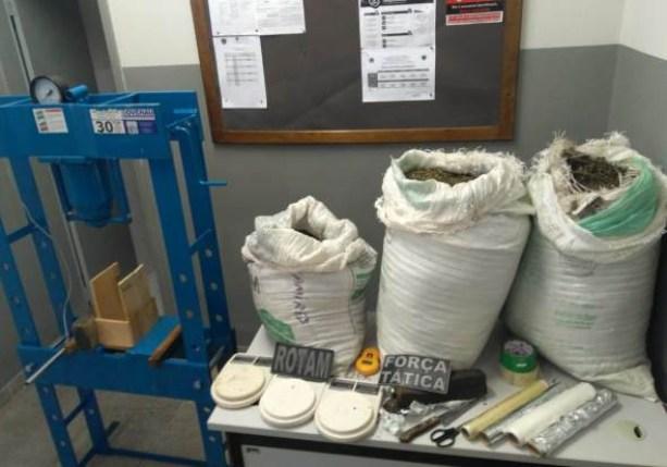 apreensaocg 300x210 - 30 quilos de maconha são apreendidos pela polícia ao socorrer criança