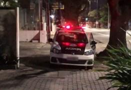 Jovem é detido suspeito de tentar assaltar agência bancária, em João Pessoa