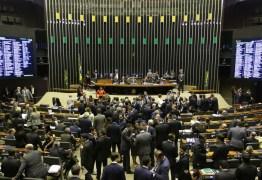 Câmara convoca Weintraub para explicar cortes em universidades