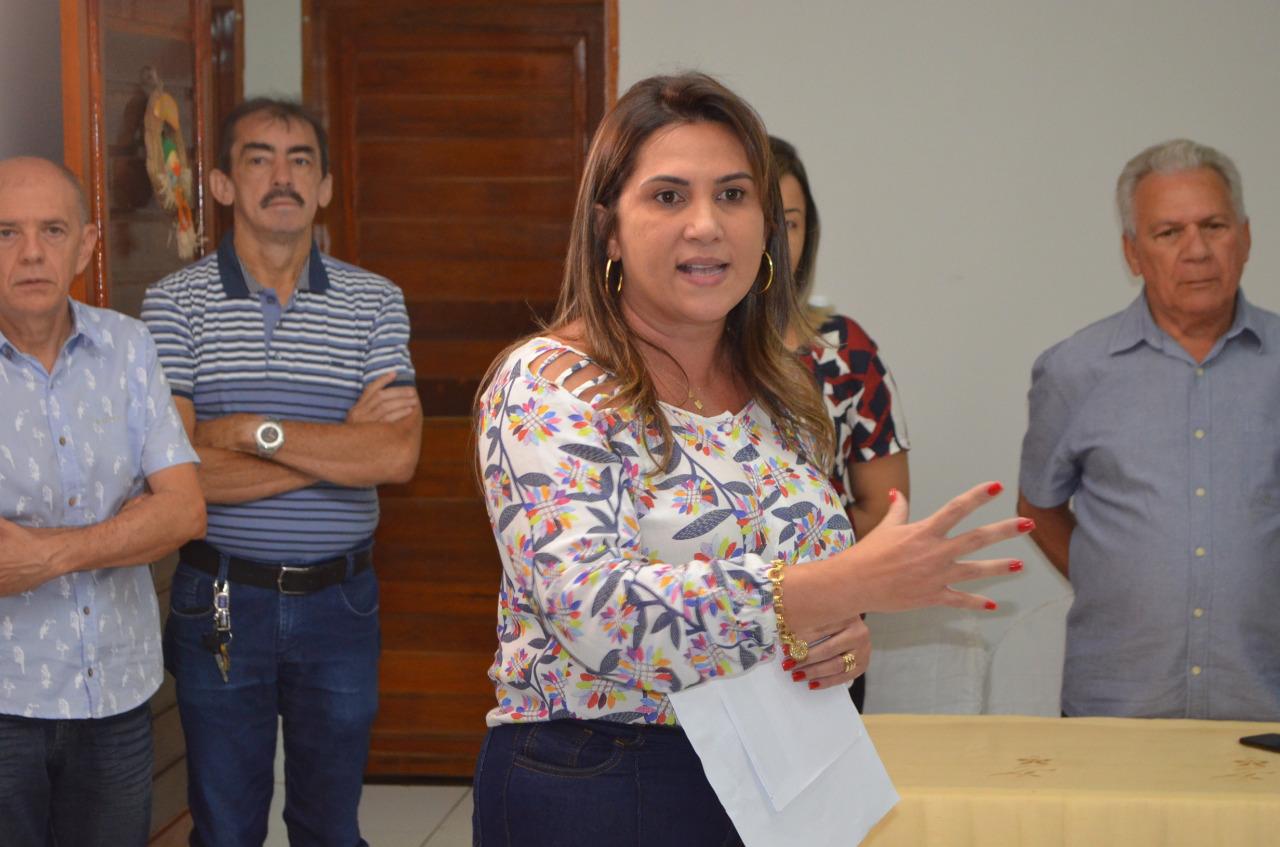 cfb68ee0 74fd 4252 a3d3 11ab8b0b0a7b - Prefeitura de Cajazeiras e Energisa entregam 253 óculos a alunos contemplados pelo projeto Caravana da Visão