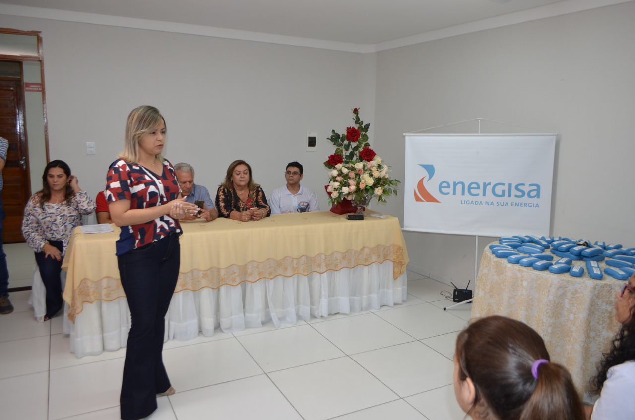 d477afda 2209 4365 8bd7 a1f244c7003f - Prefeitura de Cajazeiras e Energisa entregam 253 óculos a alunos contemplados pelo projeto Caravana da Visão