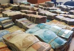 Operação contra facção apreende quase R$ 900 mil e prende 15 nesta sexta-feira