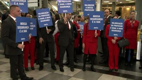 frame 00 37 05.604 300x169 - Funcionários da Avianca fazem protesto em Aeroporto