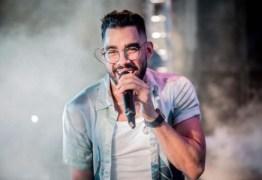'Ver a cama vazia é terrível', diz pai de Gabriel Diniz após 1 ano da morte do cantor
