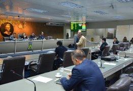 Câmara de Campina Grande debate e aprova 158 requerimentos em benefício da população