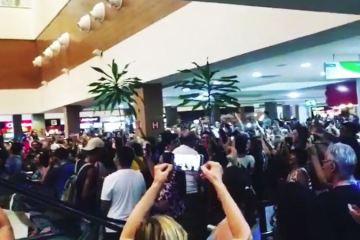 lulas - NINJA NA REDE: presidente do PT da Paraíba destaca 'Lulaço' no Manaíra Shopping, em JP/PB