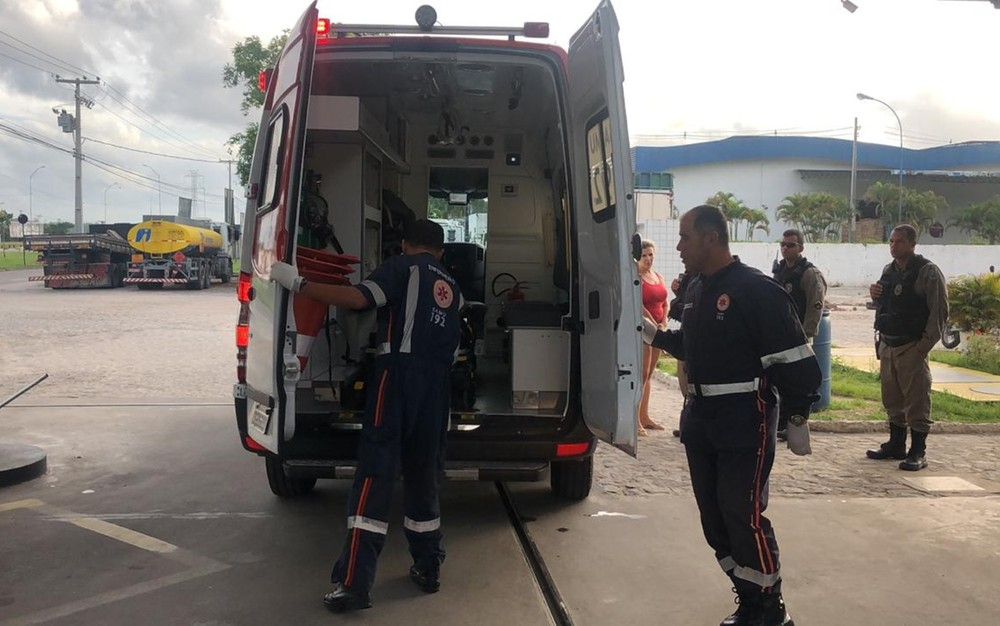 motositas sequestrado - MADRUGADA DE TERROR: grupo sequestra motorista por aplicativo, amarra vítima e joga de ponte