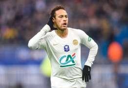 Excluir Neymar por soco em torcedor é piada na CBF