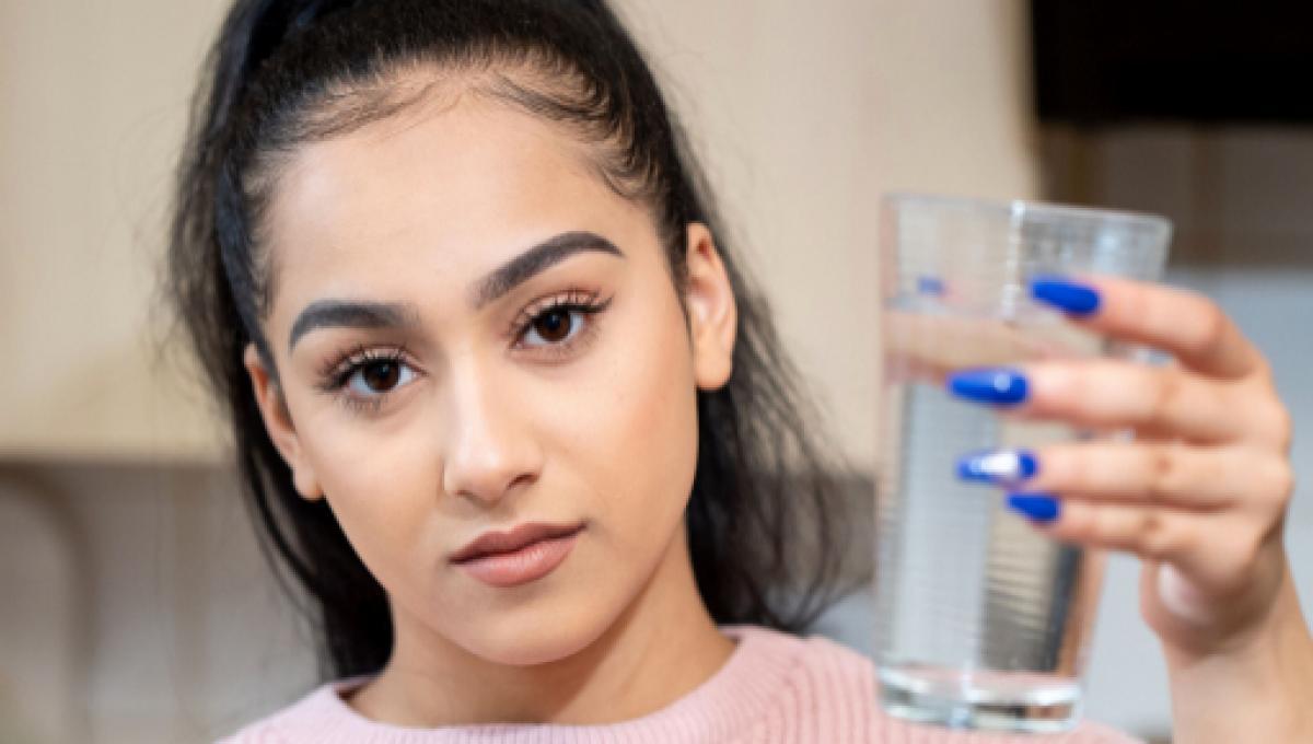 niah selway e alergica a agua creditostorytrender 2261707 - Alérgica à água, jovem não pode nem chorar: 'Tentando lidar com a dor'