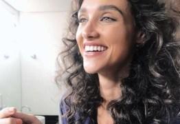 Débora Nascimento beija outra mulher em festival de música, diz jornal