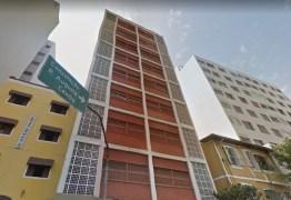 PERIGO NOS CÉUS: Mulher que caiu de prédio durante pichação foi filmada pela amiga – VEJA VÍDEO