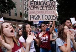 Após protestos, governo libera verba para Educação, mas bloqueio ainda é de R$ 5,8 bi