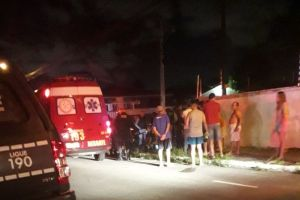 soldado da pm baleado 300x200 - Suspeito é morto e PM fica ferido após troca de tiros em tentativa de assalto, em João Pessoa