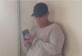 PRESO EM FLAGRANTE: homem que tentou furtar celular de repórter está na Central de Polícia em João Pessoa