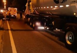 Ciclista morre após acidente com caminhão, na BR-230, em João Pessoa