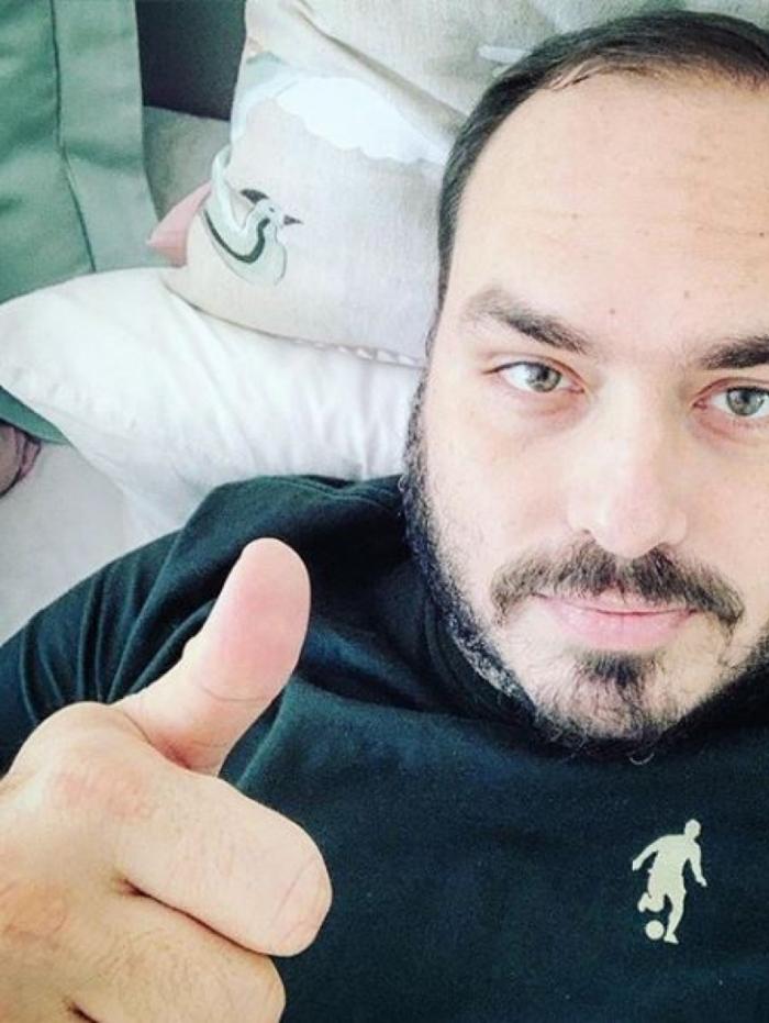 1 05 carlosbolsonaro rep 11423574 - Carlos Bolsonaro é internado em hospital em Botafogo, na Zona Sul do Rio