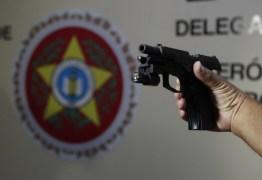 Arma encontrada no quarto do filho de Flordelis teria sido usada na morte do pastor