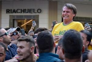 2018 09 07t172046z 492116697 rc1d6a72ad80 rtrmadp 3 brazil election bolsonaro 300x202 - VERSÃO DA VÍTIMA: Bolsonaro é convidado a depor sobre atentado praticado por Adélio Bispo
