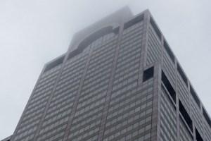 2019 06 10t182655z 1224233936 rc154b5cf380 rtrmadp 3 new york crash helicopter 300x200 - Helicóptero cai e causa incêndio em topo de prédio em Nova York