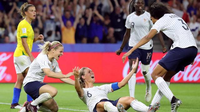 2019 06 23t213532z 734133193 rc1238dd70f0 rtrmadp 3 soccer worldcup fra bra - Brasil luta, mas leva gol de Henry na prorrogação e dá adeus à Copa do Mundo