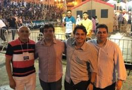 Eduardo participa de Festival de Quadrilhas Juninas e defende investimento na cultura