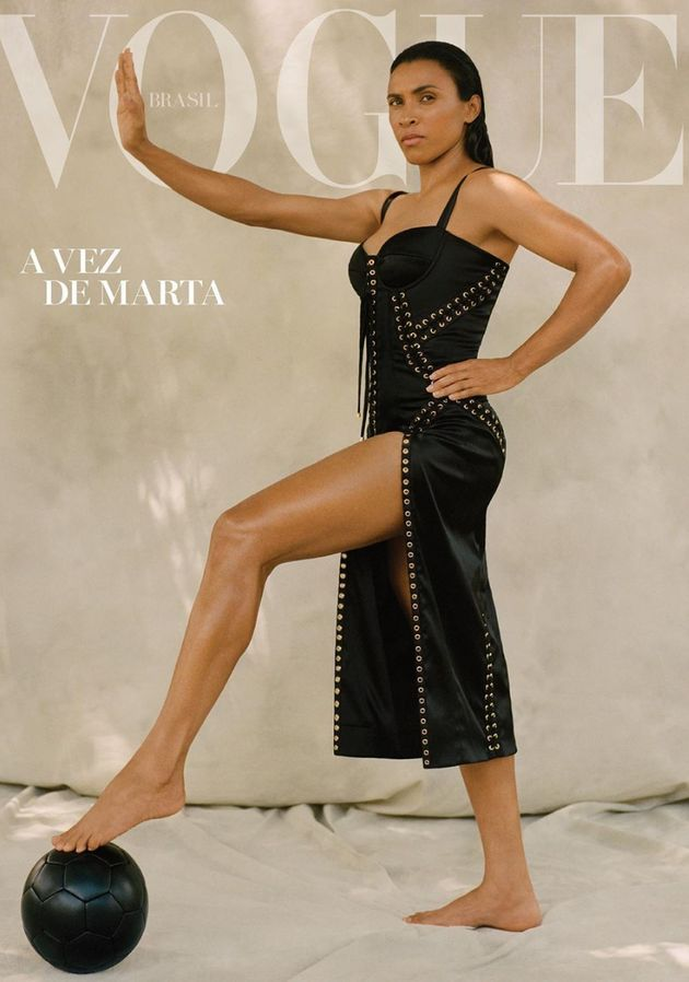 5d0e6bc92100002120f3f1ee - Marta estampa capa da Vogue e critica diferença salarial entre homens e mulheres em campo