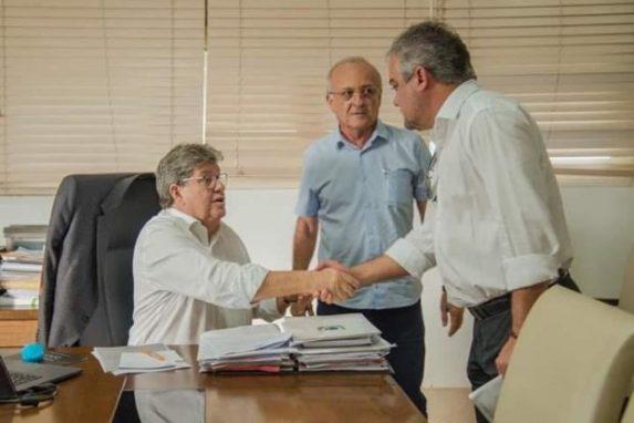 61860786 361002017889508 9088358584558813184 n 620x413 300x200 - Renato Mendes garante novos investimentos para Alhandra em reunião com governador e deputado