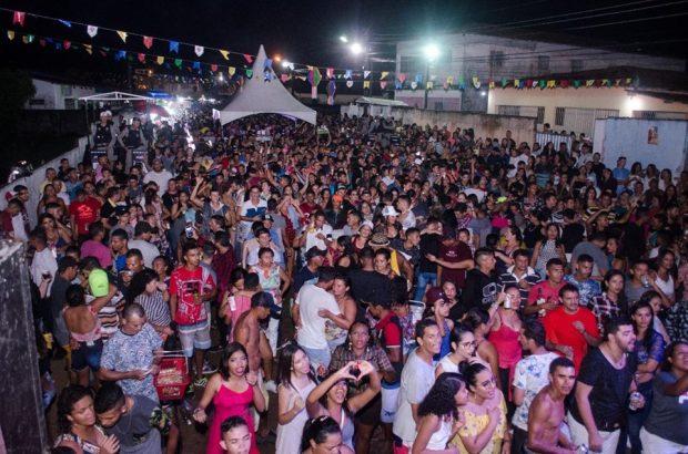 62066593 449065799217302 748763132138094592 n 620x410 - Prefeito Renato Mendes participa junto com moradores dos festejos de Santo Antônio, Padroeiro de Mata Redonda