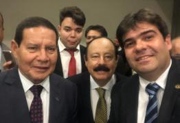 Eduardo participa de reunião do PRTB com vice-presidente da República, General Hamilton Mourão