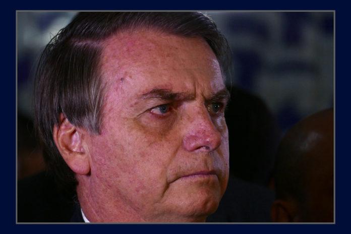 Bolsonaro close 1 696x464 - Bolsonaro se isola num governo com a cara dele - Por Helena Chagas