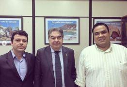 Lindolfo Pires se reúne com Secretário de Turismo para tratar sobre instalação de estaleiro em Lucena, PB