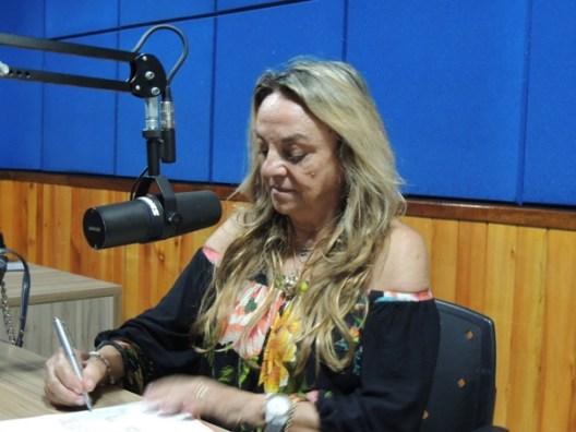 Dra. Paula 1 300x225 - Dra. Paula confirma que vai disputar eleição para prefeitura de São José de Piranhas