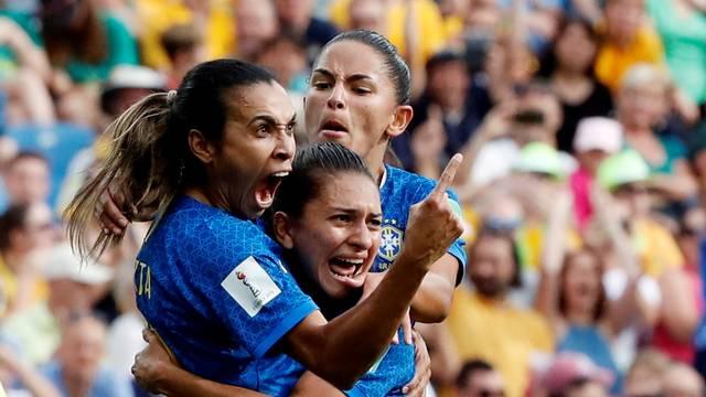 JOGADORAS BRASIL - POR 3 A 2: Marta e Cristiane fazem gols, mas Brasil perde para a Austrália de virada