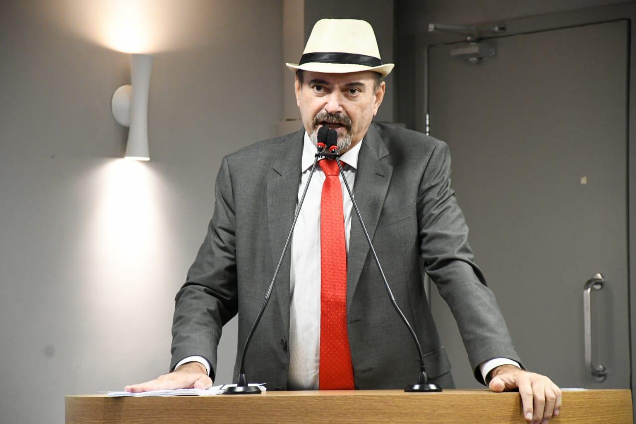 O deputado estadual Jeová Campos foi favorável ao projeto de acabar com o apadrinhamento político na saúde pública - Jeová Campos intercede por comarcas junto ao presidente do TJPB e Governo do Estado