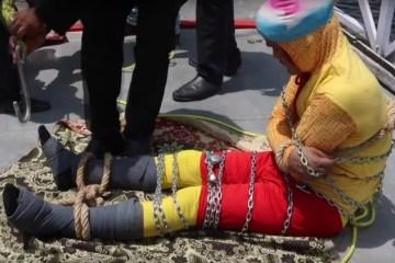 corpot de cahnchal lahiri de 42 anos foi achado na india apos magica dar errado 1560862566764 v2 750x421 - Corpo de mágico é achado após tentativa de truque dar errado na Índia - VEJA VÍDEO