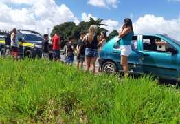 Em ronda, PRF flagra carro de passeio com 10 ocupantes em Santa Rita