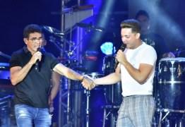 AMIZADE: Wesley Safadão homenageia Gabriel Diniz em show no Recife