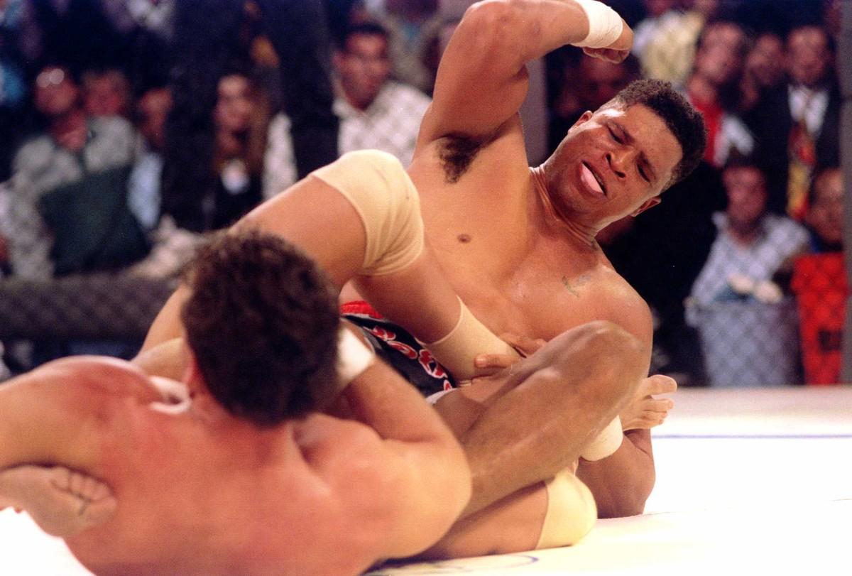 LUTO: Morre de câncer Patrick Smith participante do primeiro UFC