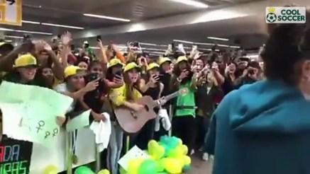 maxresdefault 2 300x169 - Seleção feminina tem recepção calorosa na volta ao Brasil após a Copa do Mundo