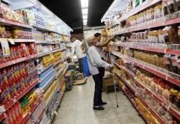 Pesquisadora diz que o Brasil está mais pobre que em 2014