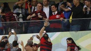 x83156695 bsbbr 300x169 - Bolsonaro e Moro posam com camisa do Flamengo em partida contra o CSA