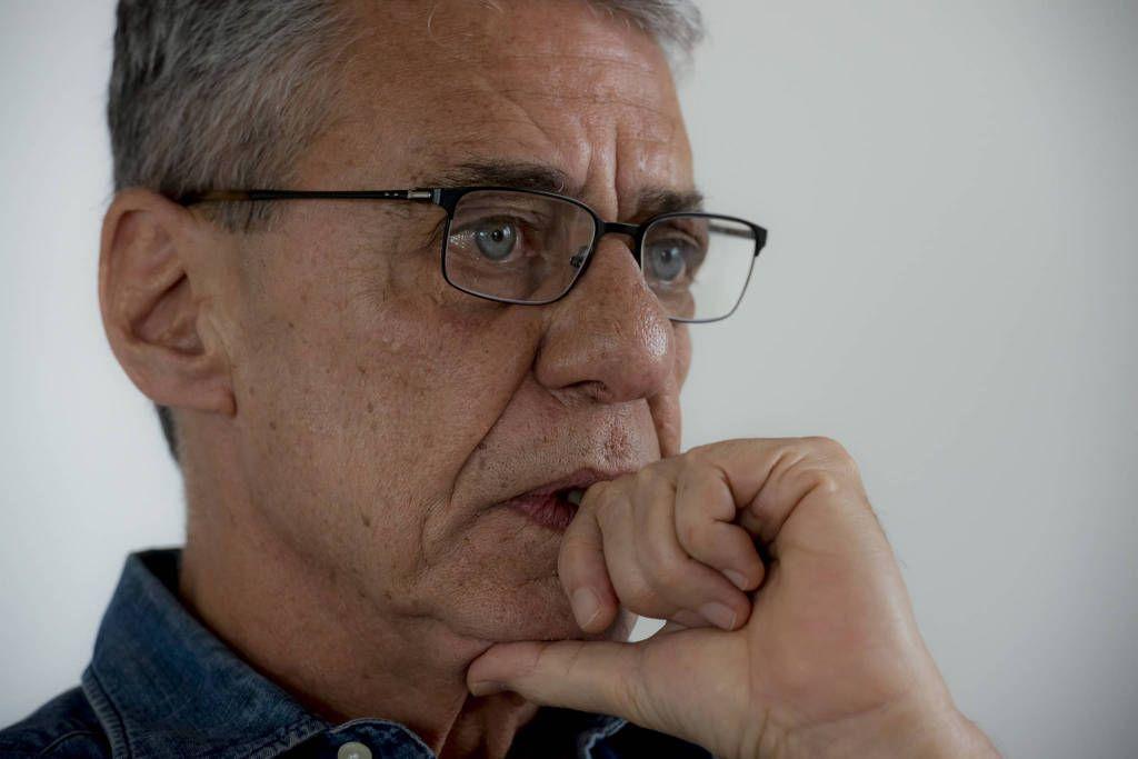 zzchico buarque 1024x683 - Chico Buarque explica sobre pedido de visto de longa duração na França