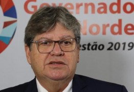 João Azevêdo inaugura novo prédio de escola e entrega pavimentação de ruas em Campina Grande