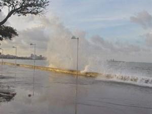 16327836280003622710000 300x225 - CUIDADO: marinha alerta para ventos fortes e ondas de quase 4 metros no litoral da Paraíba
