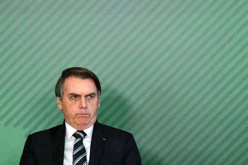 20190712182915188983o - Bolsonaro extrai dente e deve evitar falar e ficar de repouso por três dias