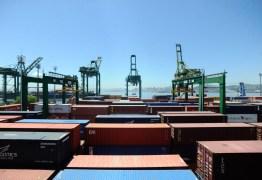 Exportação brasileira recua devido a queda de comércio com EUA