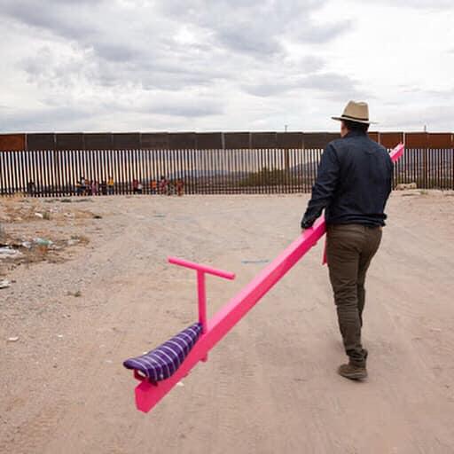 67340665 10105051254227958 3428296934945718272 n - FRONTEIRA MÉXICO X EUA: Artistas instalam gangorras para crianças brincarem juntas - VEJA VÍDEO